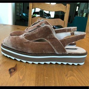 Zara platform sandal W10